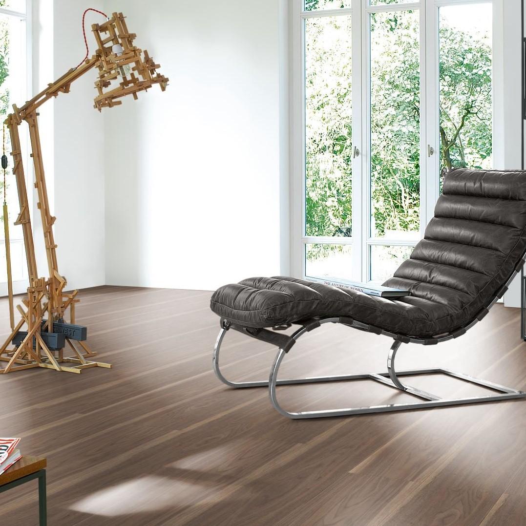 laminat nussbaum loft landhausdiele parador trendtime 6. Black Bedroom Furniture Sets. Home Design Ideas