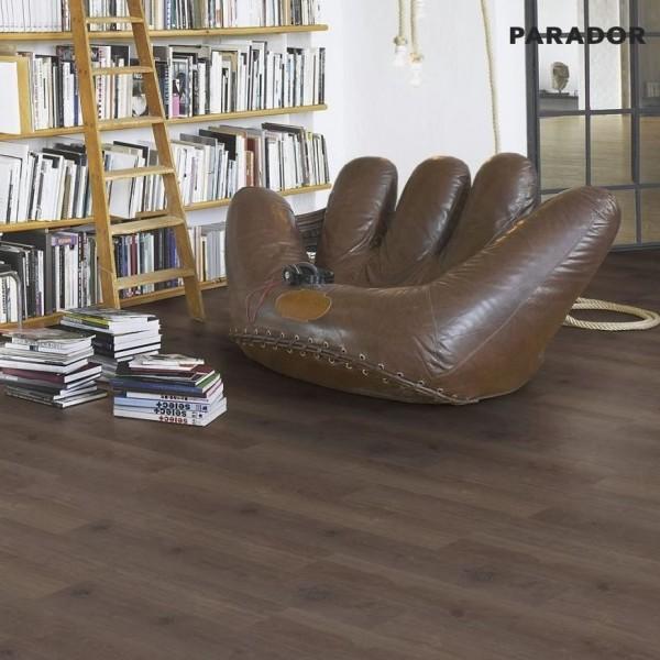 Vinyl Eiche Castell geräuchert Landhausdiele 4-seitige Fase | PARADOR Eco Balance PUR