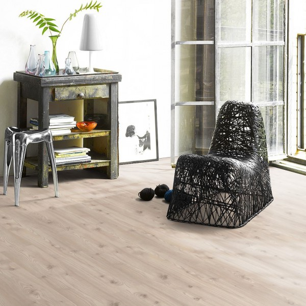 Laminat Baltic Pinie Landhausdiele Holzstruktur | PARADOR Basic Plus 400