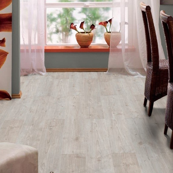 laminat silver pine landhausdiele mit v fuge 13 0 m 2. Black Bedroom Furniture Sets. Home Design Ideas