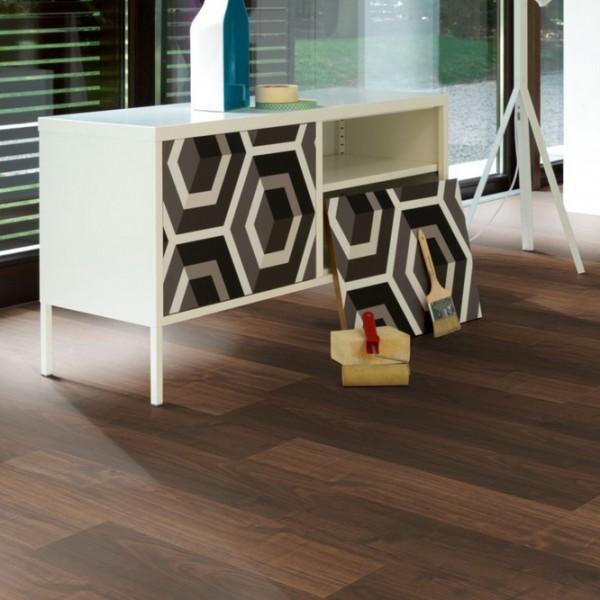 laminat walnuss holzstruktur landhausdiele parador. Black Bedroom Furniture Sets. Home Design Ideas