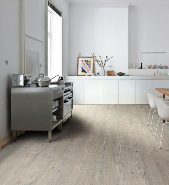 HARO Designboden 4VM Pinie Nordica strukturiert   DISANO Saphir