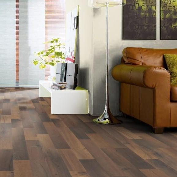 laminat eiche memphis strukturiert matt 2 stab tritty 100 2 wahl 29 m angebote. Black Bedroom Furniture Sets. Home Design Ideas