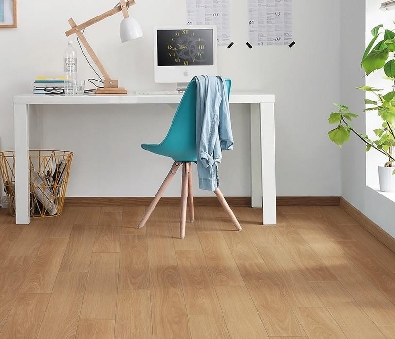 laminat eiche elegance authentic landhausdiele haro. Black Bedroom Furniture Sets. Home Design Ideas