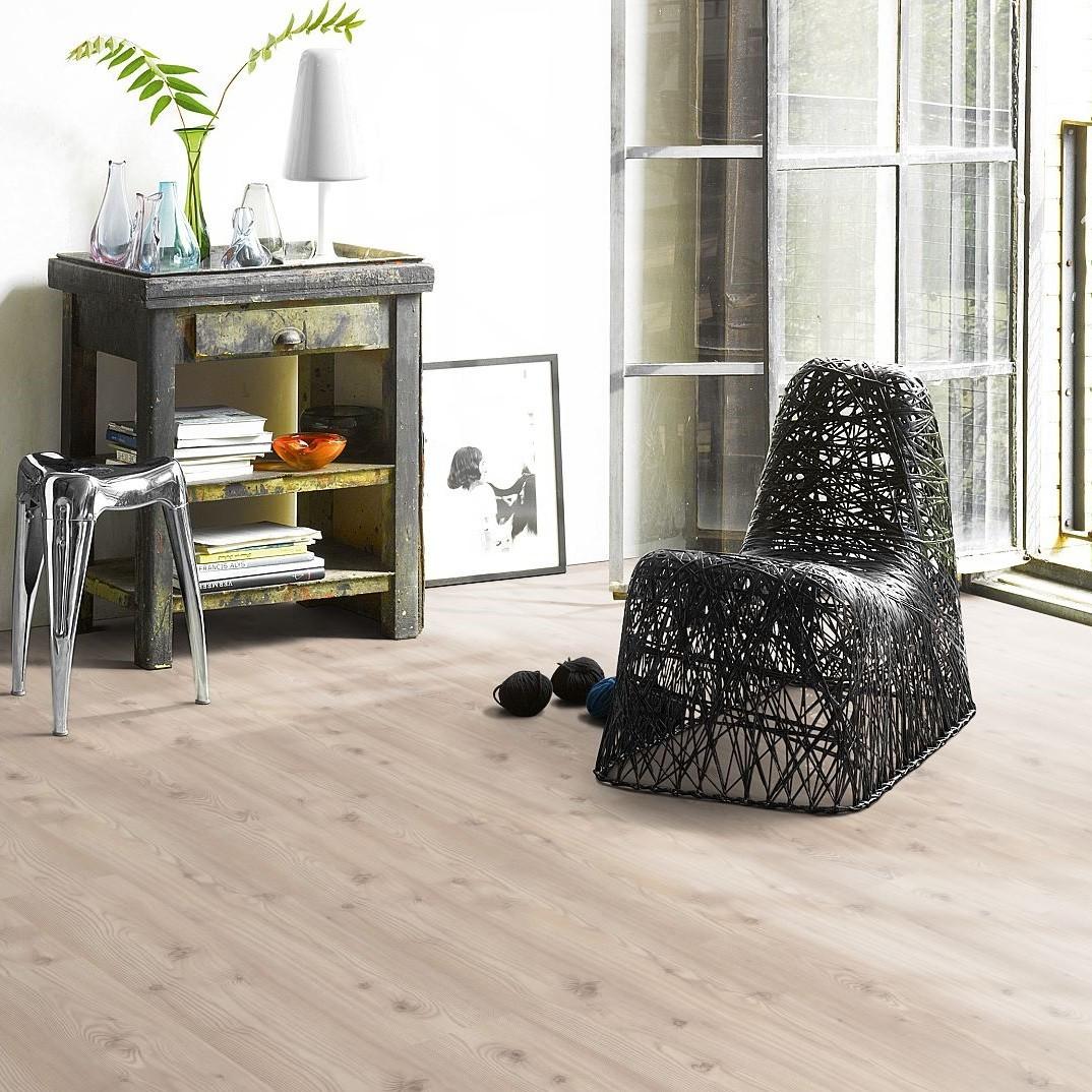 laminat baltic pinie landhausdiele parador basic 400. Black Bedroom Furniture Sets. Home Design Ideas