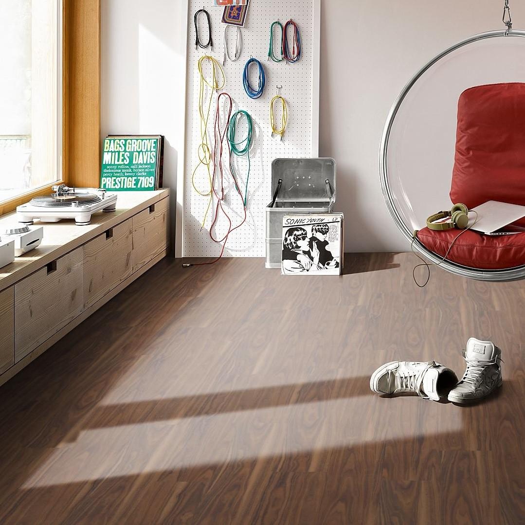 Vinyl Walnuss Landhausdiele Gebürstete Struktur | Click In | 4 m²