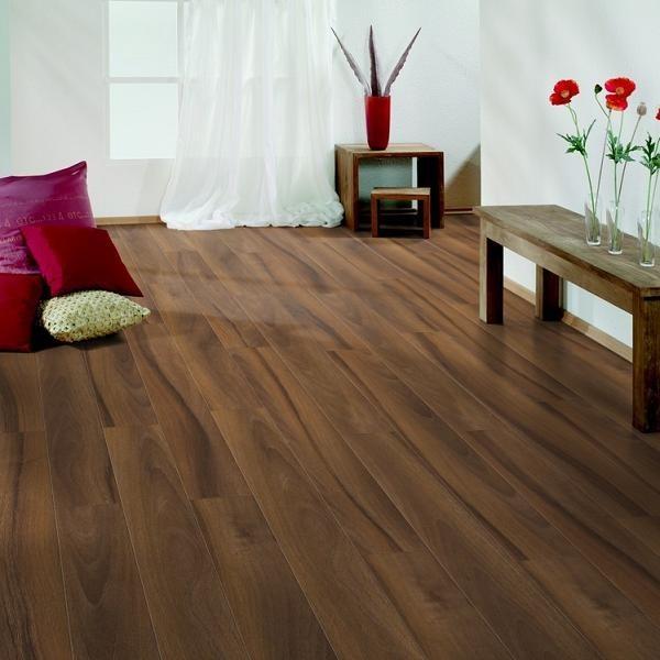 nussbaum franz sisch loft 4v gefast silent pro nussbaum laminat bodenverkauf. Black Bedroom Furniture Sets. Home Design Ideas
