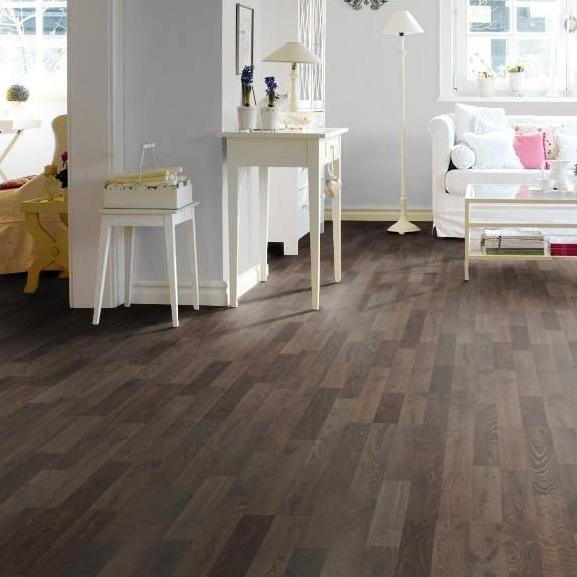 laminat eiche ger uchert strukturiert matt schiffsboden 3 stab haro. Black Bedroom Furniture Sets. Home Design Ideas